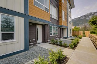 "Photo 2: 43 1188 WILSON Crescent in Squamish: Dentville Townhouse for sale in ""The Current"" : MLS®# R2259461"