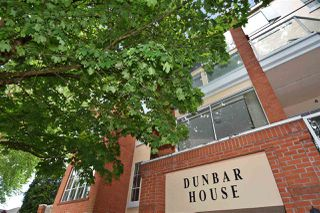 "Photo 2: 301 3621 W 26TH Avenue in Vancouver: Dunbar Condo for sale in ""DUNBAR HOUSE"" (Vancouver West)  : MLS®# R2275235"