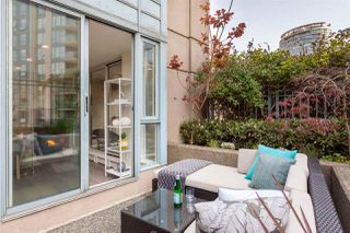 """Photo 9: 301 183 KEEFER Place in Vancouver: Downtown VW Condo for sale in """"PARIS PLACE"""" (Vancouver West)  : MLS®# R2279354"""