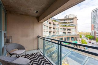 """Photo 17: 301 183 KEEFER Place in Vancouver: Downtown VW Condo for sale in """"PARIS PLACE"""" (Vancouver West)  : MLS®# R2279354"""