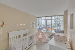 "Photo 17: 1201 888 CARNARVON Street in New Westminster: Downtown NW Condo for sale in ""MARINUS"" : MLS®# R2279685"