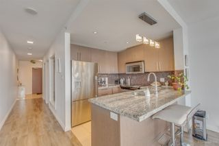 "Photo 3: 1201 888 CARNARVON Street in New Westminster: Downtown NW Condo for sale in ""MARINUS"" : MLS®# R2279685"