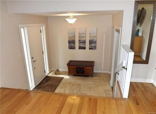 Photo 3: 550 Charleswood Road in Winnipeg: Charleswood Residential for sale (1G)  : MLS®# 1815100