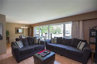 Photo 5: 842 Parkhill Street in Winnipeg: Crestview Residential for sale (5H)  : MLS®# 1817271