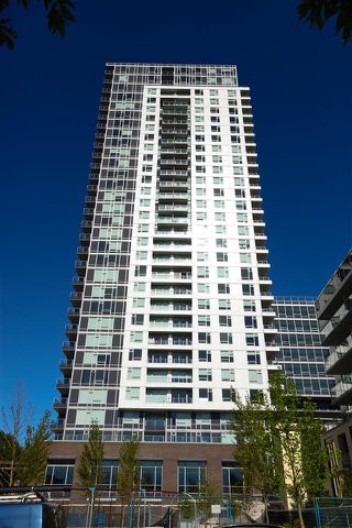 "Photo 1: 2901 5515 BOUNDARY Road in Vancouver: Collingwood VE Condo for sale in ""WALL CENTRE CENTRAL PARK"" (Vancouver East)  : MLS®# R2293643"