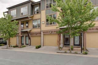 "Photo 1: 38330 EAGLEWIND Boulevard in Squamish: Downtown SQ Townhouse for sale in ""Eaglewind"" : MLS®# R2296912"