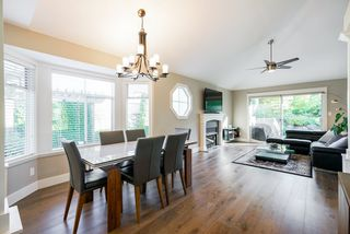 """Photo 3: 39 2500 152 Street in Surrey: King George Corridor Townhouse for sale in """"Peninsula"""" (South Surrey White Rock)  : MLS®# R2324351"""
