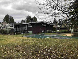 "Photo 2: 2458 GLENWOOD Avenue in Port Coquitlam: Woodland Acres PQ Home for sale in ""WOODLAND ACRES"" : MLS®# R2324748"