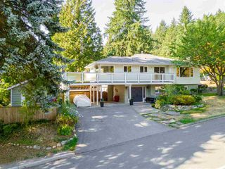 Photo 1: 2838 SECHELT Drive in North Vancouver: Blueridge NV House for sale : MLS®# R2330275