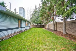 """Photo 16: 82 5550 LANGLEY Bypass in Langley: Langley City Townhouse for sale in """"Riverwynde"""" : MLS®# R2331096"""