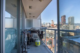"Photo 12: 1106 550 TAYLOR Street in Vancouver: Downtown VW Condo for sale in ""THE TAYLOR"" (Vancouver West)  : MLS®# R2335310"