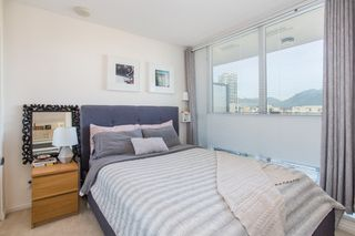 "Photo 7: 1106 550 TAYLOR Street in Vancouver: Downtown VW Condo for sale in ""THE TAYLOR"" (Vancouver West)  : MLS®# R2335310"