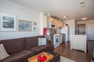 """Photo 5: 1106 550 TAYLOR Street in Vancouver: Downtown VW Condo for sale in """"THE TAYLOR"""" (Vancouver West)  : MLS®# R2335310"""
