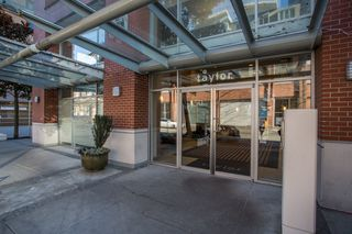"Photo 1: 1106 550 TAYLOR Street in Vancouver: Downtown VW Condo for sale in ""THE TAYLOR"" (Vancouver West)  : MLS®# R2335310"