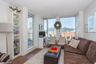 "Photo 4: 1106 550 TAYLOR Street in Vancouver: Downtown VW Condo for sale in ""THE TAYLOR"" (Vancouver West)  : MLS®# R2335310"