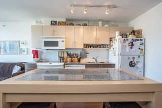 "Photo 3: 1106 550 TAYLOR Street in Vancouver: Downtown VW Condo for sale in ""THE TAYLOR"" (Vancouver West)  : MLS®# R2335310"
