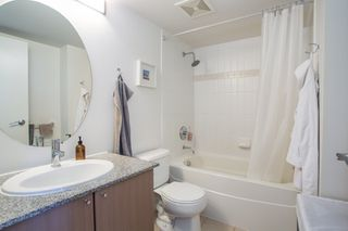 "Photo 8: 1106 550 TAYLOR Street in Vancouver: Downtown VW Condo for sale in ""THE TAYLOR"" (Vancouver West)  : MLS®# R2335310"
