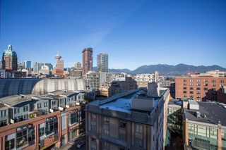 "Photo 13: 1106 550 TAYLOR Street in Vancouver: Downtown VW Condo for sale in ""THE TAYLOR"" (Vancouver West)  : MLS®# R2335310"