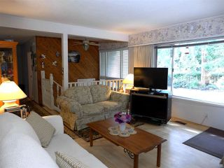 "Photo 2: 13817 56A Avenue in Surrey: Panorama Ridge House for sale in ""Panorama Ridge"" : MLS®# R2337884"