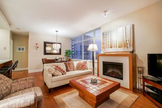 """Photo 10: 702 158 W 13TH Street in North Vancouver: Central Lonsdale Condo for sale in """"Vista Place"""" : MLS®# R2342022"""
