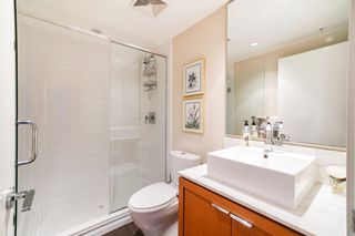 """Photo 16: 702 158 W 13TH Street in North Vancouver: Central Lonsdale Condo for sale in """"Vista Place"""" : MLS®# R2342022"""
