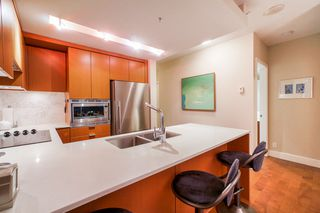"Photo 6: 702 158 W 13TH Street in North Vancouver: Central Lonsdale Condo for sale in ""Vista Place"" : MLS®# R2342022"