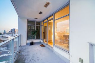 "Photo 18: 702 158 W 13TH Street in North Vancouver: Central Lonsdale Condo for sale in ""Vista Place"" : MLS®# R2342022"
