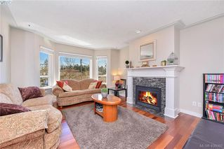 Photo 2: 3587 Desmond Dr in VICTORIA: La Walfred House for sale (Langford)  : MLS®# 806912