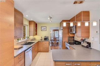 Photo 4: 3587 Desmond Dr in VICTORIA: La Walfred House for sale (Langford)  : MLS®# 806912