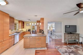 Photo 6: 3587 Desmond Dr in VICTORIA: La Walfred House for sale (Langford)  : MLS®# 806912