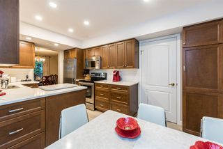 Photo 11: 9284 GOLDHURST Terrace in Burnaby: Forest Hills BN Townhouse for sale (Burnaby North)  : MLS®# R2347920