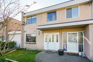 "Photo 1: 8 27090 32 Avenue in Langley: Aldergrove Langley Townhouse for sale in ""Alderwood Manor"" : MLS®# R2349221"
