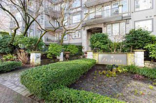 "Photo 3: 305 1388 NELSON Street in Vancouver: West End VW Condo for sale in ""ANDALUCA"" (Vancouver West)  : MLS®# R2349273"