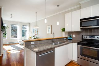 "Photo 10: 305 1388 NELSON Street in Vancouver: West End VW Condo for sale in ""ANDALUCA"" (Vancouver West)  : MLS®# R2349273"