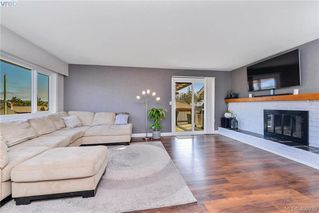 Photo 5: 4080 Tracey Street in VICTORIA: SE Lake Hill Single Family Detached for sale (Saanich East)  : MLS®# 406939