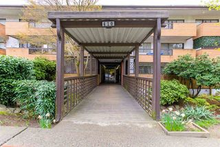 "Photo 2: 104 410 AGNES Street in New Westminster: Downtown NW Condo for sale in ""MARSEILLE PLAZA"" : MLS®# R2357531"