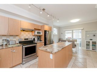"Photo 7: 6 5839 PANORAMA Drive in Surrey: Sullivan Station Townhouse for sale in ""Forest Gate"" : MLS®# R2359049"