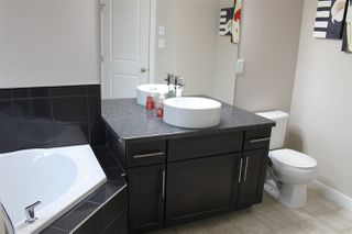 Photo 8: 5138 CORVETTE Street in Edmonton: Zone 27 House for sale : MLS®# E4152933