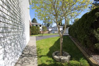 "Photo 16: 5340 199A Street in Langley: Langley City House for sale in ""Brydon Park"" : MLS®# R2363120"