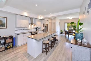 Photo 6: 107 687 Strandlund Ave in VICTORIA: La Langford Proper Row/Townhouse for sale (Langford)  : MLS®# 815169