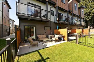 Photo 2: 107 687 Strandlund Ave in VICTORIA: La Langford Proper Row/Townhouse for sale (Langford)  : MLS®# 815169