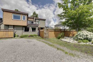Photo 1: 1025 BROTHERS Place in Squamish: Northyards House 1/2 Duplex for sale : MLS®# R2373041