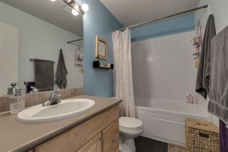 Photo 5: 1025 BROTHERS Place in Squamish: Northyards House 1/2 Duplex for sale : MLS®# R2373041