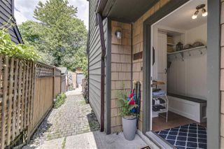 Photo 3: 1025 BROTHERS Place in Squamish: Northyards House 1/2 Duplex for sale : MLS®# R2373041
