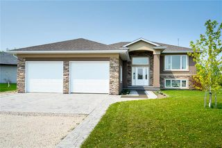 Main Photo: 114 Creekside Drive in Steinbach: Deerfield Residential for sale (R16)  : MLS®# 1914380
