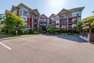 "Photo 1: 208A 45595 TAMIHI Way in Sardis: Vedder S Watson-Promontory Condo for sale in ""Hartford"" : MLS®# R2376604"