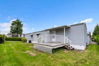 "Photo 3: 14 8670 156 Street in Surrey: Fleetwood Tynehead Manufactured Home for sale in ""WESTWOOD COURT"" : MLS®# R2377361"