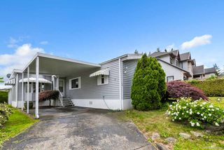 """Photo 2: 14 8670 156 Street in Surrey: Fleetwood Tynehead Manufactured Home for sale in """"WESTWOOD COURT"""" : MLS®# R2377361"""
