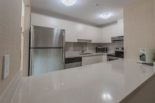 """Photo 10: 421 1200 HORNBY Street in Vancouver: Downtown VW Condo for sale in """"Landis Hotel and Suite"""" (Vancouver West)  : MLS®# R2403768"""