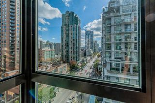 """Photo 16: 421 1200 HORNBY Street in Vancouver: Downtown VW Condo for sale in """"Landis Hotel and Suite"""" (Vancouver West)  : MLS®# R2403768"""